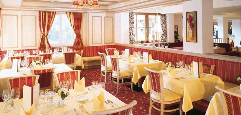 Family Resort Alpenpark, Seefeld, Austria - Restaurant.jpg